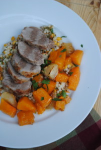 Pork tenderloin with butternut squash and apples