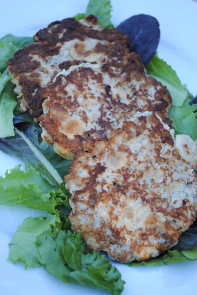 Simple salmon patties using inexpensive ingredients.