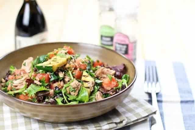 Tuna and grilled zucchini salad with canned tuna